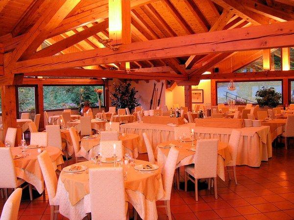 hotel-luna-restaurant-folgarida-skirama-dolomiti-wintersport-italie-ski-snowboard-raquettes-schneeschuhlaufen-langlaufen-wandelen-interlodge.jpg