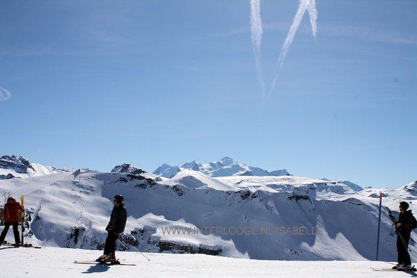 grand-massif-tete-des-saix-uitzicht-mont-blanc-les-carroz-flaine-frankrijk-wintersport-ski-snowboard-raquette-schneeschuhlaufen-langlaufen-wandelen-interlodge.jpg