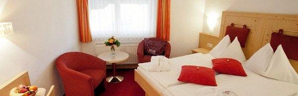 hotel-latini-alpenrose-schuttdorf-zell-am-see-europa-sportregion-wintersport-oostenrijk-interlodge.jpg