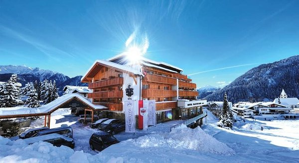 buitenkant-hotel-maximillian-serfaus-wintersport-interlodge.jpg