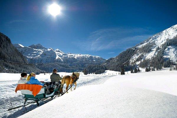 paardensleetochten-obertauern-oostenrijk-wintersport-ski-snowboard-raquette-schneeschuhlaufen-langlaufen-wandelen-interlodge.jpg