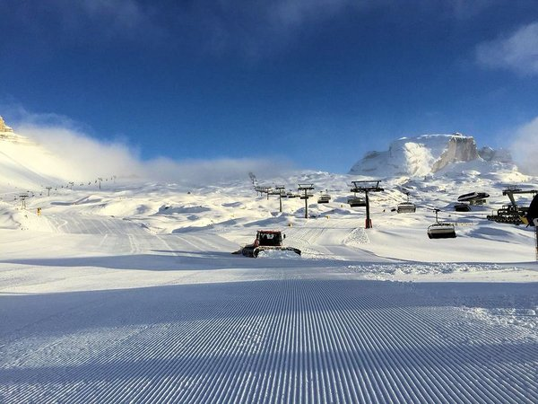 snowmobile-skirama-dolomiti-wintersport-italie-interlodge