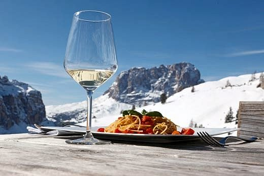 vino-dolomiti-superski-wintersport-italie-interlodge