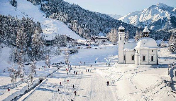 kerk-wintersport-oostenrijk-interlodge
