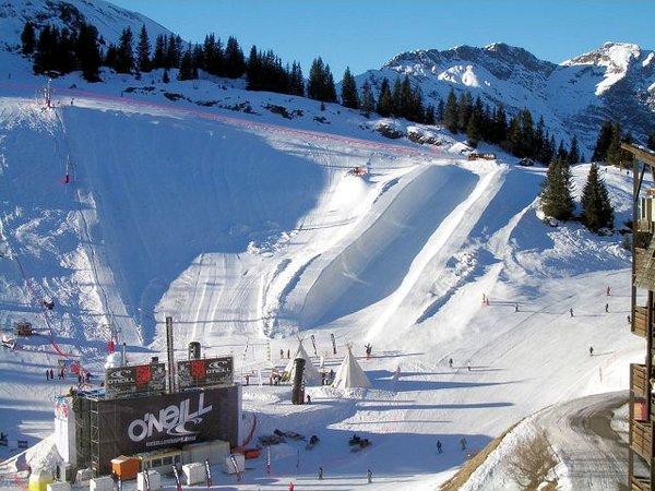 halfpipe-avoriaz-les-portes-du-soleil-wintersport-frankrijk-ski-snowboard-raquettes-schneeschuhlaufen-langlaufen-wandelen-interlodge.jpg