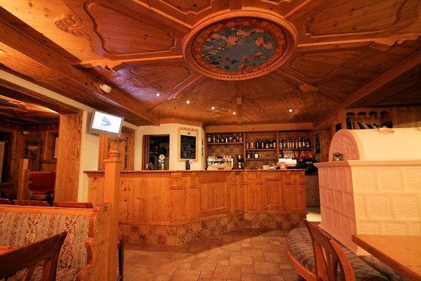 hotel-residence-dahu-bar-passo-tonale-wintersport-italie-ski-snowboard-raquettes-schneeschuhlaufen-wandelen-interlodge.jpg