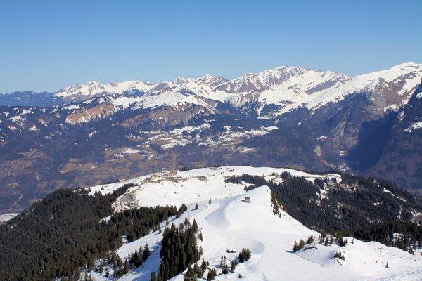 samoens-satellietdorp-le-grand-massif-wintersport-frankrijk-ski-snowboard-raquettes-schneeschuhlaufen-langlaufen-wandelen-interlodge.jpg
