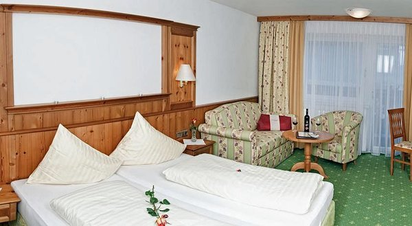 kamer-hotel-almhof-lackner-wintersport-interlodge.jpg
