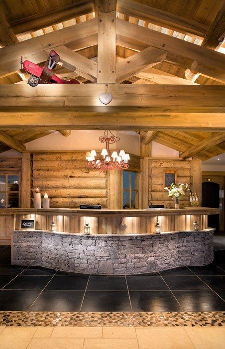 receptie-residence-les-granges-du-soleil-plagne-soleil-wintersport-frankrijk-ski-snowboard-raquettes-schneeschuhlaufen-langlaufen-wandelen-interlodge.jpg