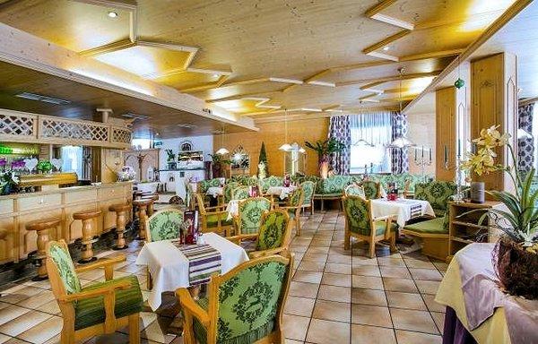 restaurant-sporthotel-tirolerhof-itter-skiwelt-wilder-kaiser-wintersport-oostenrijk-interlodge