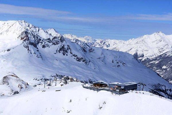 uitzicht-pistes-valfrejus-frankrijk-wintersport-ski-snowboard-raquettes-schneeschuhlaufen-langlaufen-wandelen-interlodge.jpg