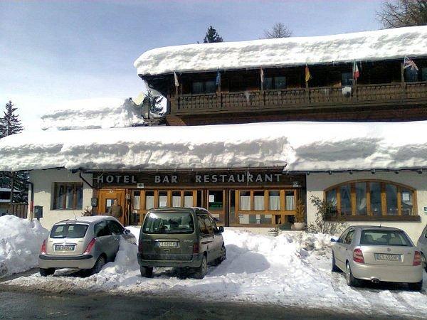 buitenzijde-hotel-vecchia-america-folgarida-skirama-dolomiti-wintersport-italie-ski-snowboard-raquettes-schneeschuhlaufen-langlaufen-wandelen-interlodge.jpg