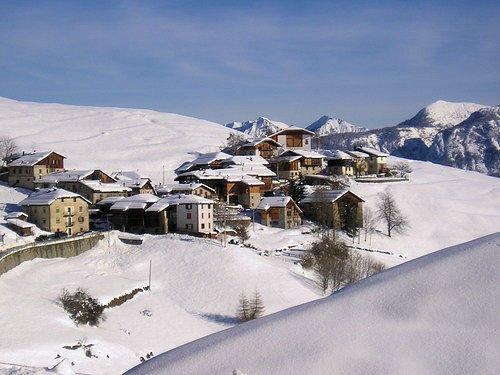 dorp-mezzana-skirama-dolomiti-italie-wintersport-ski-snowboard-raquettes-schneeschuhlaufen-langlaufen-wandelen-interlodge.jpg