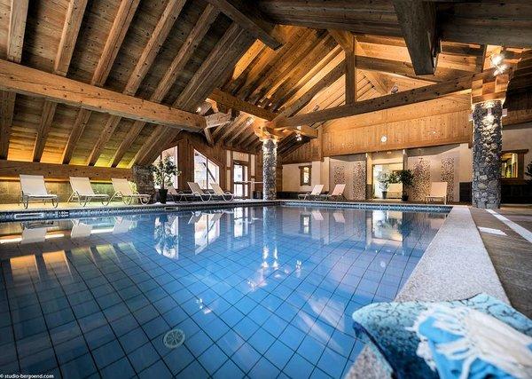 zwembad-residence-les-alpages-de-champagny-paradiski-wintersport-frankrijk-ski-snowboard-langlauf-wandelen-interlodge.jpg