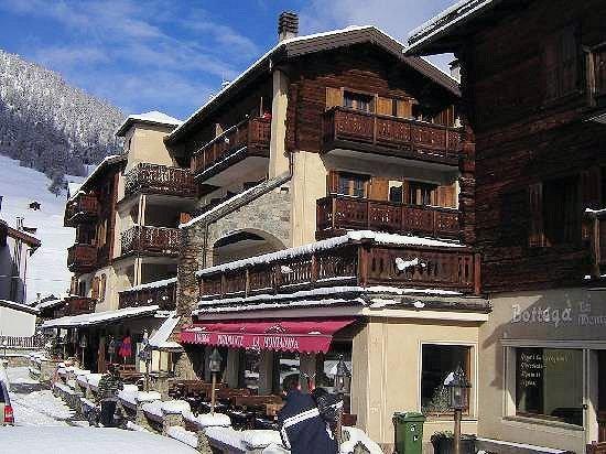 hotel-montanina-livigno-wintersport-italie-ski-snowboard-raquettes-schneeschuhlaufen-langlaufen-wandelen-interlodge.jpg