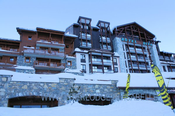 buitenzijde-hotel-diva-tignes-val-claret-espace-killy-interlodge.jpg