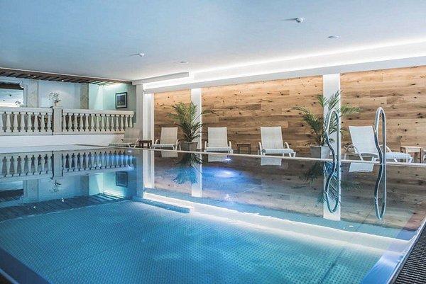 zwembad-hotel-kertess-st-anton-arlberg-wintersport-oostenrijk-interlodge