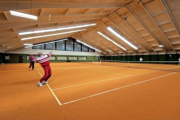 tennishal-brixen-im-thale-skiwelt-wilder-kaiser-wintersport-oostenrijk-interlodge