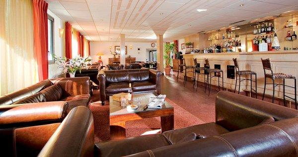 hotel-amelie-lounge-bar-brides-les-bains-les-trois-vallees-frankrijk-wintersport-ski-snowboard-raquettes-schneeschuhlaufen-langlaufen-wandelen-interlodge.jpg