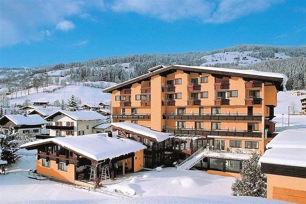 sporthotel-brixen-brixen-im-thale-skiwelt-wilder-kaiser-wintersport-interlodge.jpg