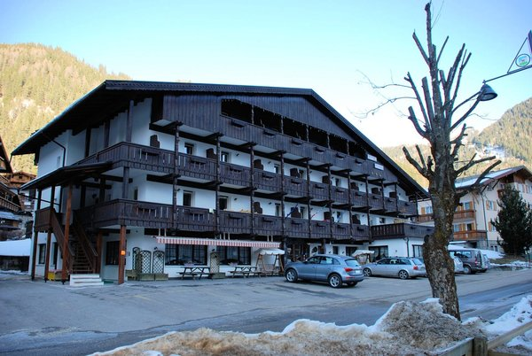 hotel-diana-canazei-wintersport-italie-interlodge