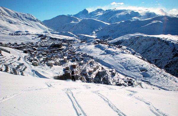 dorp-alpe-d-huez-grandes-roussses-wintersport-frankrijk-ski-snowboard-raquettes-langlaufen-wandelen-interlodge.jpg