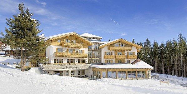 buitenkant-der-konigsleitner-konigsleiten-zillertal-arena-wintersport-oostenrijk-ski-snowboard-raquettes-schneeschuhlaufen-langlaufen-wandelen-interlodge.jpg