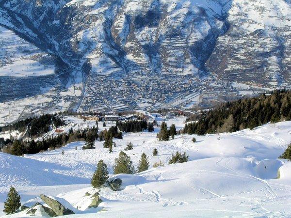 uitzicht-op-bourg-st-maurice-paradiski-wintersport-frankrijk-ski-snowboard-raquettes-schneeschuhlaufen-langlaufen-wandelen-interlodge.jpg