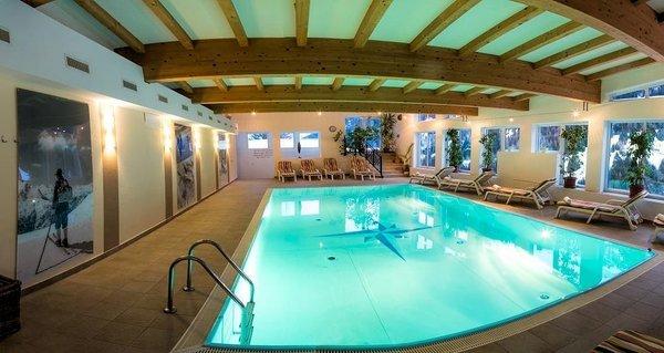 zwembad-hotel-karl-schranz-st-anton-arlberg-wintersport-interlodge.jpg