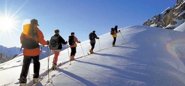 wandelen-langlaufen-in-salzburger-sportwelt-amade-wintersport-oostenrijk-ski-snowboard-raquettes-schneeschuhlaufen-langlaufen-wandelen-interlodge.jpg