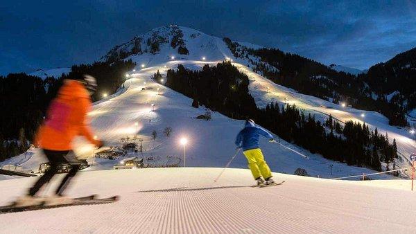 piste-verlicht-sa-parall-am-wilden-kaiser-skiwelt-wilder-kaiser-wintersport-interlodge.jpg