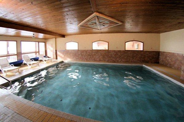 zwembad-residence-plein-sud-val-thorens-frankrijk-wintersport-ski-snowboard-langlauf-interlodge.jpg
