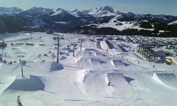 burton-park-avoriaz-les-portes-du-soleil-wintersport-frankrijk-ski-snowboard-raquettes-schneeschuhlaufen-langlaufen-wandelen-interlodge.jpg