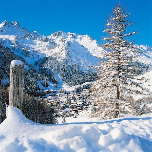 arabba-uitzicht-dolomiti-superski-wintersport-italie-ski-snowboard-raquettes-schneeschuhlaufen-langlaufen-wandelen-interlodge.jpg