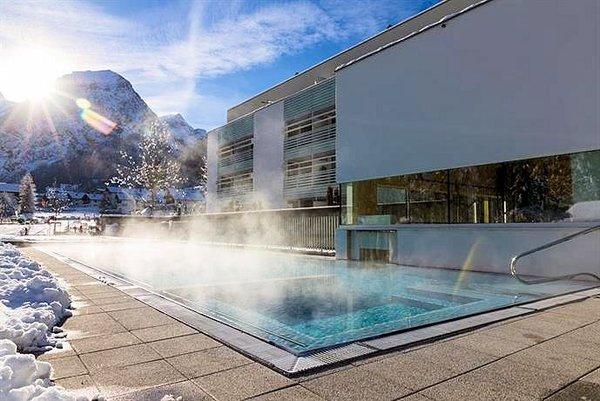pool-hotel-valavier-brand-bei-bludenz-brandnertal-vorarlberg-wintersport-oostenrijk-interlodge