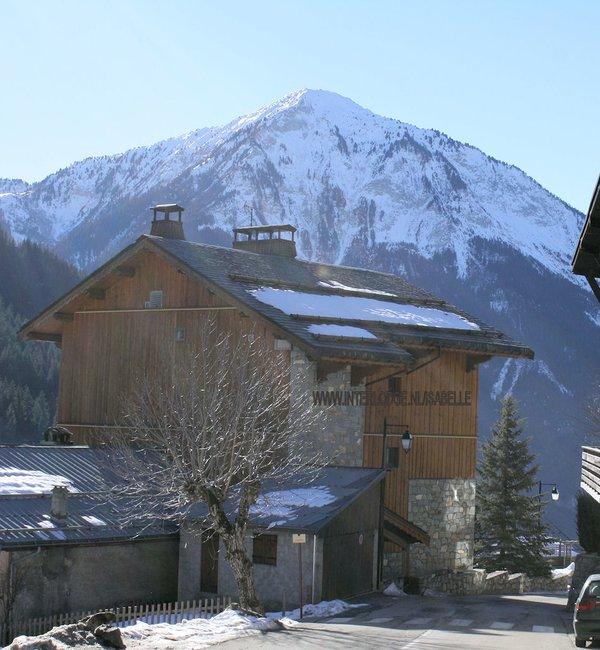 residence-chalets-du-bouquetin-champagny-achterkant-wintersport-frankrijk-ski-snowboard-raquettes-schneeschuhlaufen-langlaufen-wandelen-interlodge.jpg