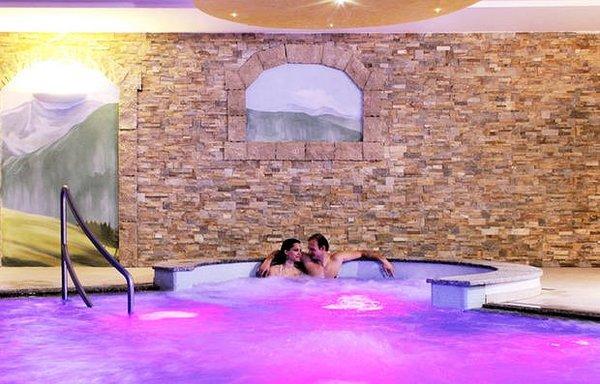 sporting-hotel-passo-tonale-wellness-wintersport-italie-ski-snowboard-raquettes-schneeschuhlaufen-langlaufen-wandelen-interlodge.jpg