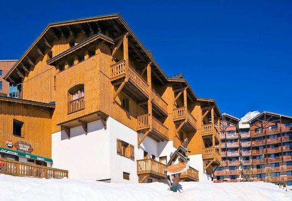 voorkant-le-hameau-du-soleil-chalets-montagnettes-val-thorens-les-trois-vallees-wintersport-frankrijk-ski-snowboard-raquettes-langlaufen-wandelen-interlodge.jpg