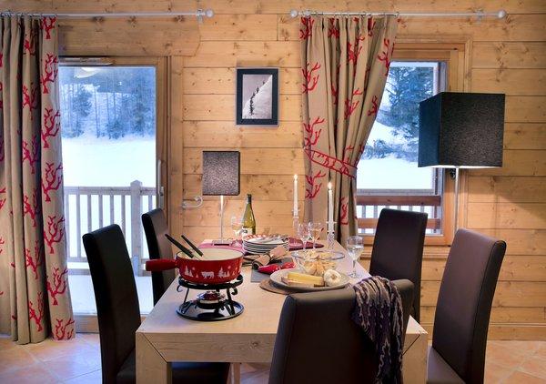 residence-les-chalets-de-flambeau-eettafel-val-cenis-vanoise-wintersport-frankrijk-ski-snowboard-raquettes-schneeschuhlaufen-langlaufen-wandelen-interlodge.jpg