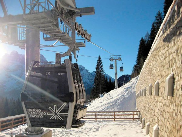 pinzolo-expres-skirama-dolomiti-wintersport-italie-interlodge