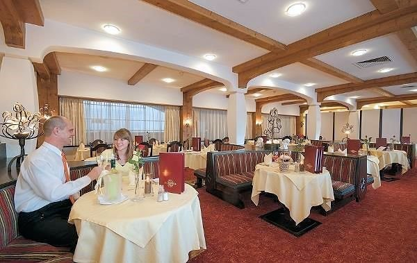 restaurant-sporthotel-brixen-skiwelt-wilder-kaiser-wintersport-interlodge.jpg