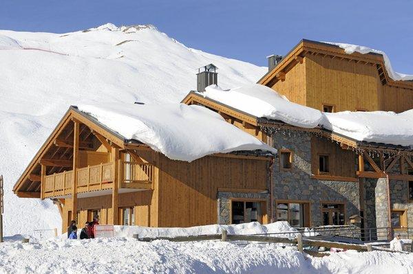 buitenkant-residence-le-jhana-tignes-val-claret-espace-killy-wintersport-frankrijk-ski-snowboard-raquettes-schneeschuhlaufen-langlaufen-wandelen-interlodge.jpg