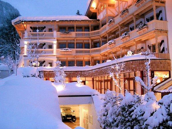 night-hotel-kaiserhof-kitzbuhel-wintersport-interlodge.jpg