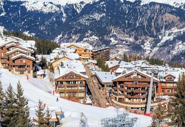 straat-courchevel-les-trois-vallees-wintersport-frankrijk-interlodge