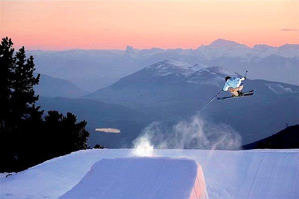 chamrousse-zonsondergang-franrkijk-wintersport-ski-snowboard-raquette-schneeschuhlaufen-langlaufen-wandelen-interlodge.jpg