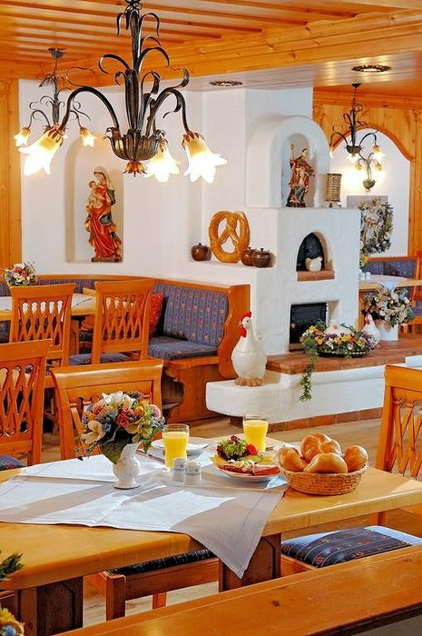 alpenhotel-kronprinz-ontbijt-berchtesgaden-beieren-duitsland-wintersport-interlodge
