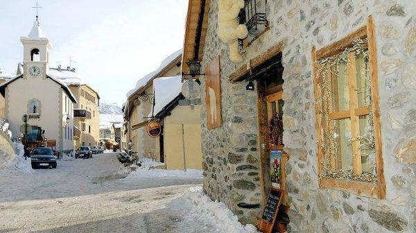 centrum-briancon-serre-chevalier-wintersport-frankrijk-ski-snowboard-raquettes-scnheeschuhlaufen-langlaufen-wandelen-interlodge.jpg