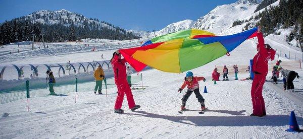 skischool-fugen-hochzillertal-wintersport-oostenrijk-interlodge