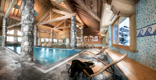 zwembad-residence-l-oree-des-cimes-vallandry-paradiski-wintersport-frankrijk-ski-snowboard-raquettes-schneeschuhlaufen-langlaufen-wandelen-interlodge.jpg