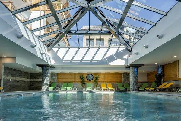 zwembad-residence-le-napoleon-montgenevre-la-via-lattea-frankrijk-wintersport-interlodge.jpg